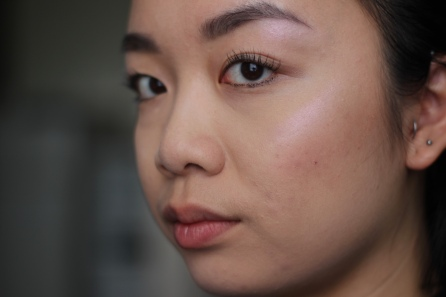 Sigma F03 High Cheekbone Highlighter application
